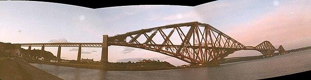 Forth rail bridge panorama.jpg
