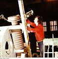 Fotothek df n-15 0000245 Facharbeiter für Sintererzeugnisse.jpg