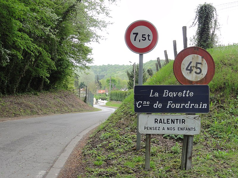 Fourdrain (Aisne) city limit sign hameau de La Bovette