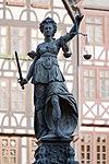 Frankfurt Am Main-Gerechtigkeitsbrunnen-Detail-Justitia von Westen-20110408.jpg