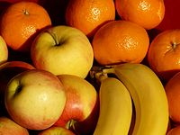 Fruit-49741 - bananas apples tangerines close-up - Hans Braxmeier.jpg