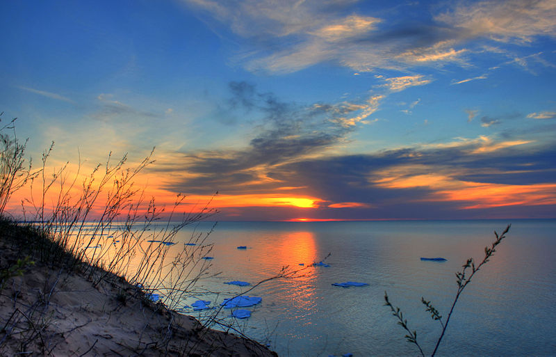 File:Gfp-michigan-pictured-rocks-national-lakeshore-red-sunset-over-the-lake.jpg