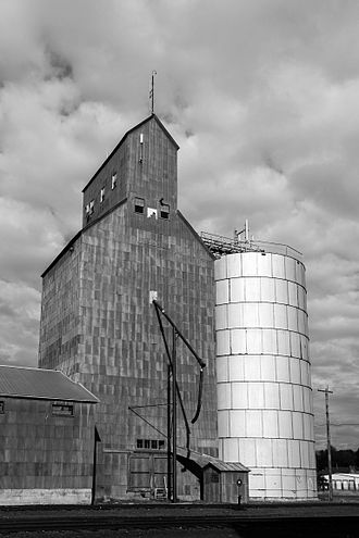 Elgin, Oregon - Old grain elevator in Elgin