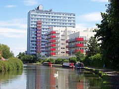 Grand Union Canal at Alperton.jpg