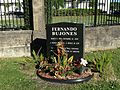 Grave of Ballet Dancer Fernando Bujones.jpg