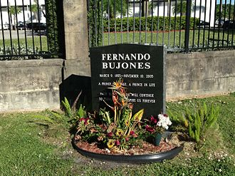Caballero Rivero Woodlawn Park North Cemetery and Mausoleum - Ballet dancer Fernando Bujones