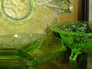 Depression glass - Green patterned depression glass pieces