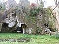 Grottes du site de la cascade pétrifante.JPG