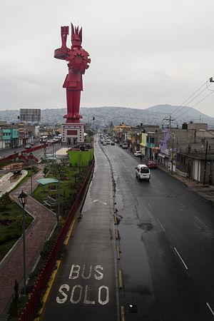 Chimalhuacán - Image: Guerrero Chimalli en Chimalhuacán, Estado de México