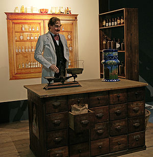Caleb Bradham - Bradham's pharmacy, with a Pepsi dispenser, as portrayed in a New Bern exhibition in the Historical Museum of Bern.