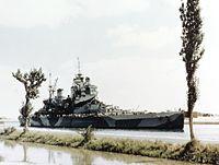 HMS Howe (32) passing Suez Canal 1944.jpg