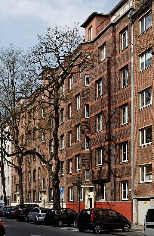 Haeuser Benzenbergstrasse 2 bis 6 in Duesseldorf-Unterbilk, von Sueden