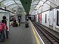Hammersmith (District) station eastbound District look west.JPG