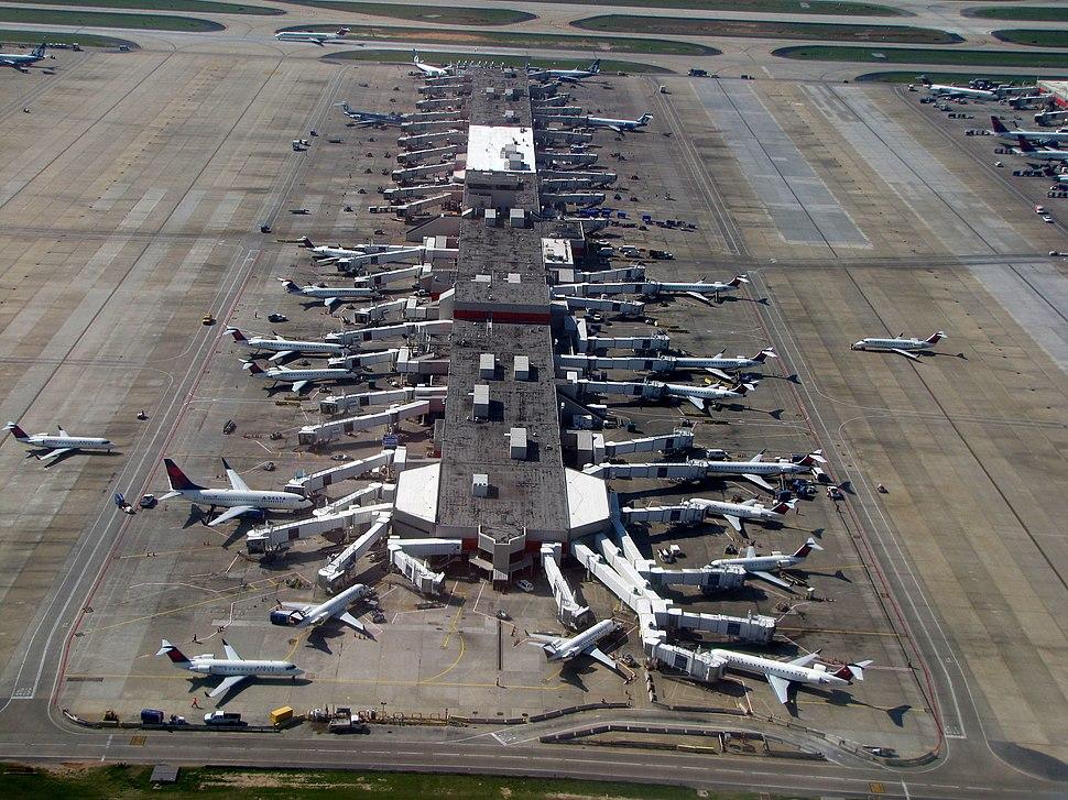 Hartsfield-Jackson Atlanta International Airport (7039222923)