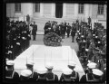 Herbert Hoover at tomb of unknown soldier, Arlington National Cemetery, Arlington, Virginia LCCN2016889697.tif
