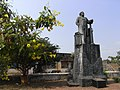 Hermann Gundert monument Thalassery India.jpg