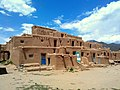 Hlaauma (North House), Taos Pueblo, NM - panoramio.jpg