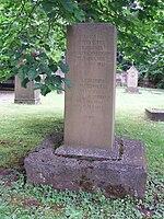 Grab Luise Duttenhofers auf dem Hoppenlaufriedhof in Stuttgart (Quelle: Wikimedia)