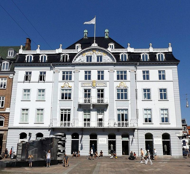 Front facade of Hotel Royal