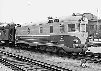 VR Class Hr11 - Hr11 number 1953 at Helsinki railway station in 1965.