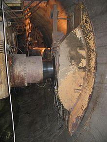 Tunnel boring machine - Wikipedia