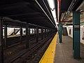 IND Crosstown Classon Avenue Southbound Platform.jpg
