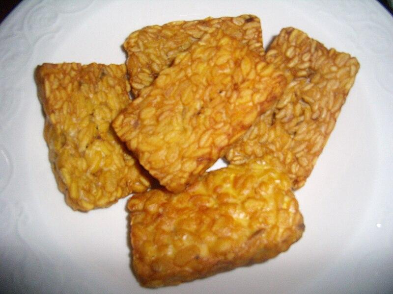 Berkas:Indonesian fried tempeh.JPG