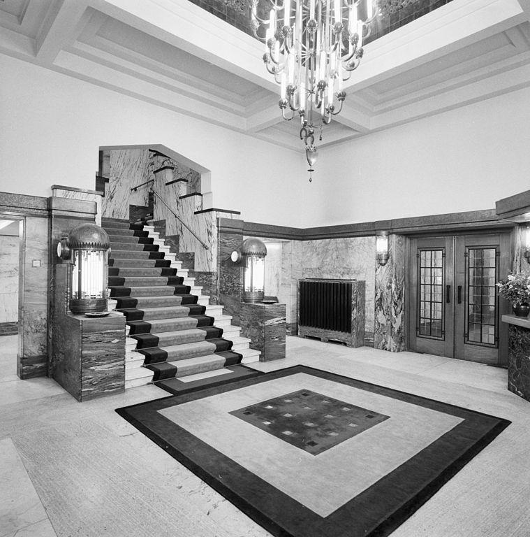 file interieur entreehal trappenhuis art deco stijl breda 20357570 wikimedia. Black Bedroom Furniture Sets. Home Design Ideas