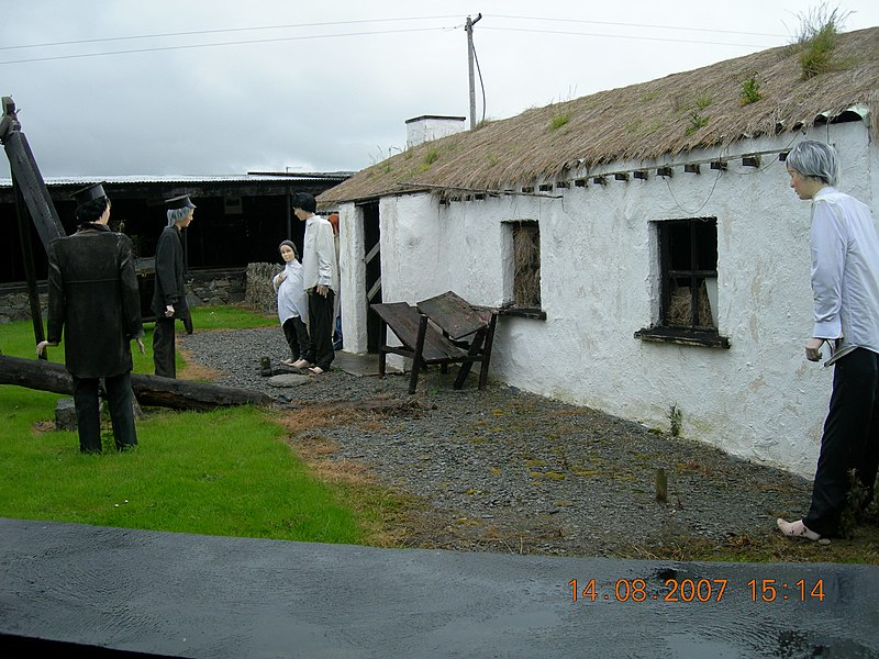 File:Irish eviction scene during penal laws. -         panoramio.jpg