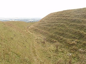 Iron age earth walls and ditch, Battlesbury hillfort - geograph.org.uk - 237388.jpg