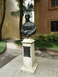 Isabel II (Oviedo) (5).jpg