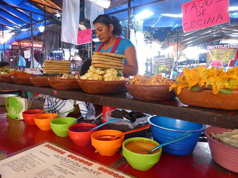 File:Itacate en el mercado de Tepoztlán.JPG