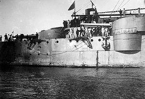 Pisa-class cruiser - Image: Italian armored cruiser Pisa gun turrets
