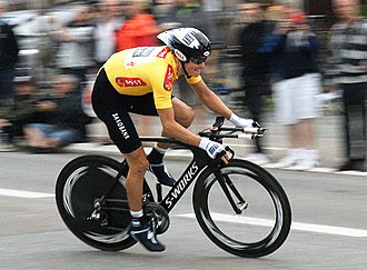 Jakob Fuglsang - Fuglsang in the leaders jersey at the 2009 Danmark Rundt