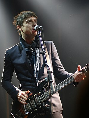 Jamie Hince - Performing in 2008 Barcelona, Spain