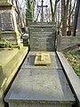 Jan Gawroński grób.jpg