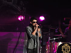 Joe Jonas on stage 2010.jpg