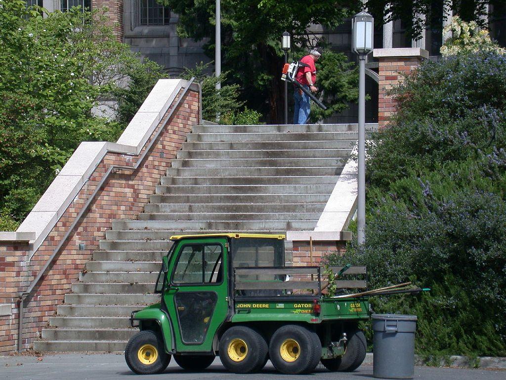 John Deere Gators >> File:John Deere Gator, man with leaf blower, Seattle.jpg ...
