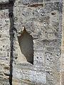 Jumilhac église niche à côté portail.JPG