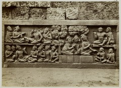 KITLV 28039 - Kassian Céphas - Relief of the hidden base of Borobudur - 1890-1891.tif