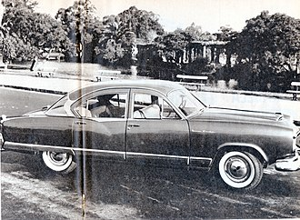 Arturo Frondizi - A local Kaiser Motors ad in 1962. Auto production rose almost fivefold in the Frondizi years