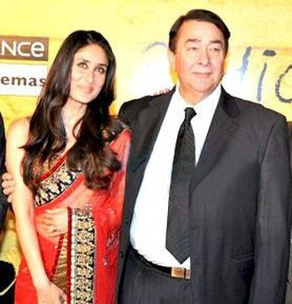 Randhir Kapoor - Kapoor with his daughter Kareena promoting her film 3 Idiots in 2009