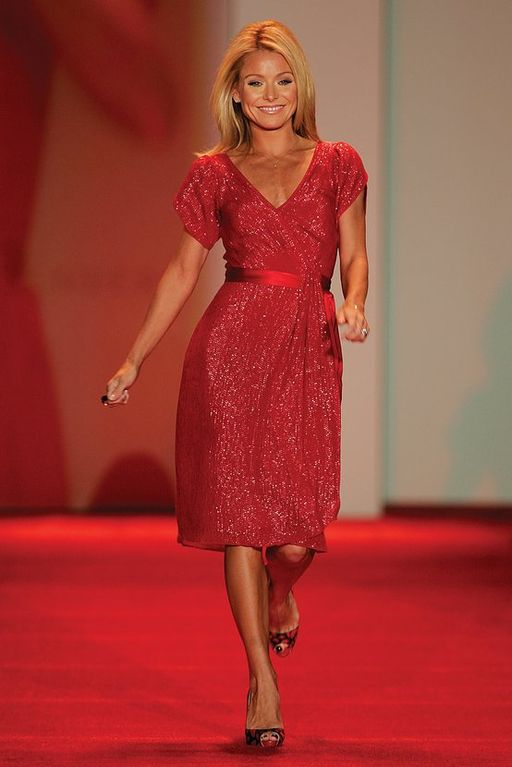 Kelly Ripa, Red Dress Collection 2007