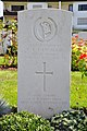 Klagenfurt Waidmannsdorf Lilienthalstrasse War Cemetery grave of Corporal Langmaid 21092011 391.jpg