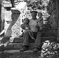 Kocjančič Jože, Labor, z dvema vnukoma 1950.jpg