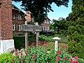 Kraemmerhuset - piękny ogród - panoramio.jpg