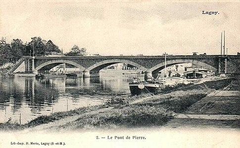 L2030 - Lagny-sur-Marne - Pont de Pierre.jpg