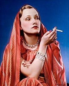 woman smoking lucky strike