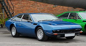 Lamborghini Jarama at AutoItalia Brooklands May 2012 1-cropped.jpg