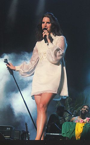 Lana Del Rey videography - Del Rey performing at Planeta Terra